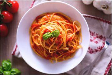 Espaguetis con salsa de tomate