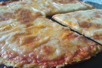 Pizza de coliflor falsa