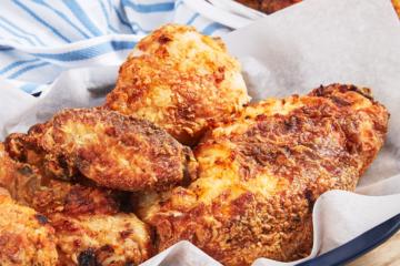 Pollo frito en la freidora de aire