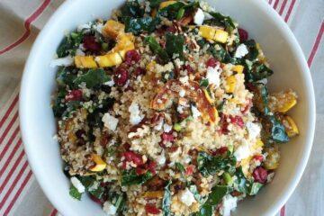 Ensalada de quinoa con calabaza asada, arándanos secos y nueces