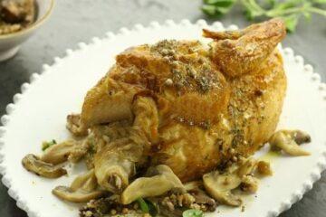 Pollo asado con relleno de fantasía de champiñones